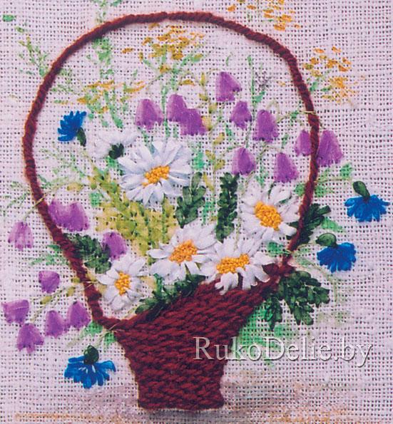 фото вышивки лентами с полевыми цветами крупнее