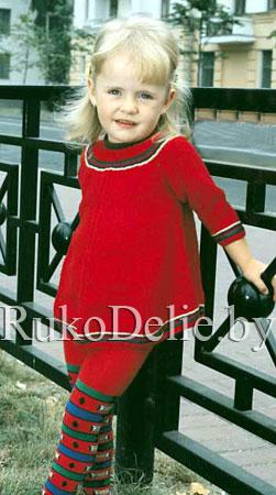 Вязаное спицами платье для малышки