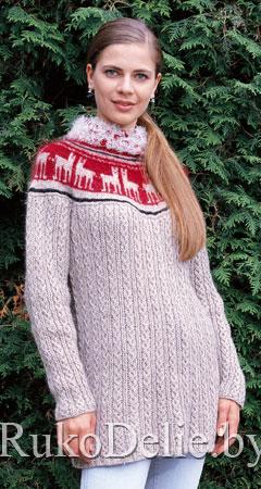Вязаный спицами женский пуловер с норвежской кокеткой
