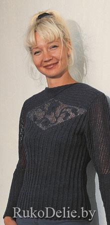 Пуловер с фигурной вставкой из ирландского кружева