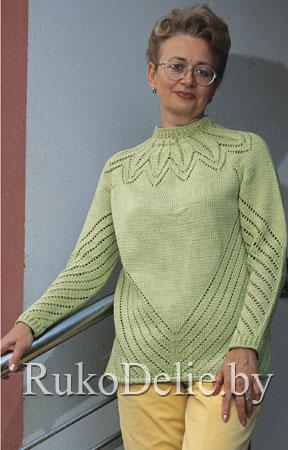 Женский пуловер с круглой кокеткой