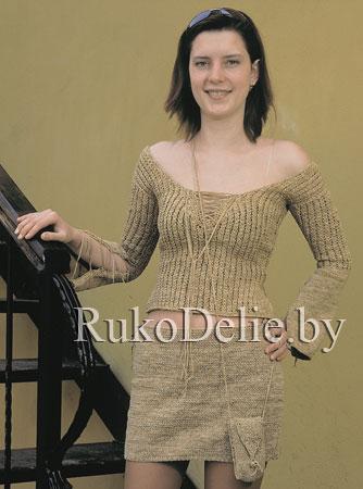 Вязаный спицами молодёжный костюм из юбки и джемпера
